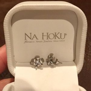 NA HOKU Plumeria White Gold Earrings!